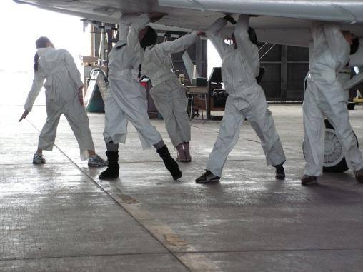 08 dance in Hangar 2