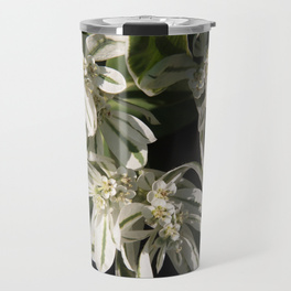 green-and-white-flowers1483396-travel-mugs