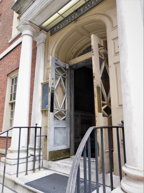 Entrance to Fraunces Tavern, Historic doorway, lower Manhattan
