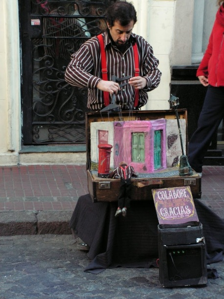 Puppeteer and Puppet, San Telmo.